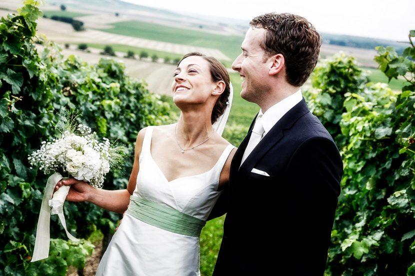 Brautpaarshooting mit lockerer Atmosphäre