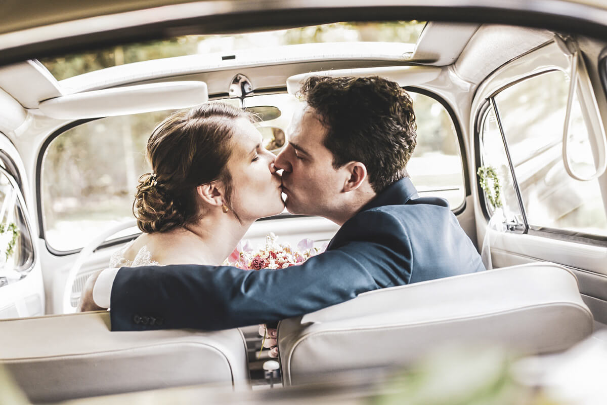 Hochzeitsfotograf Beispielbild im Auto